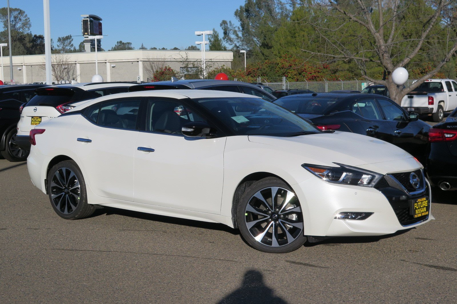 New 2018 Nissan Maxima SR 4dr Car in Roseville #F11858 | Future Nissan of Roseville