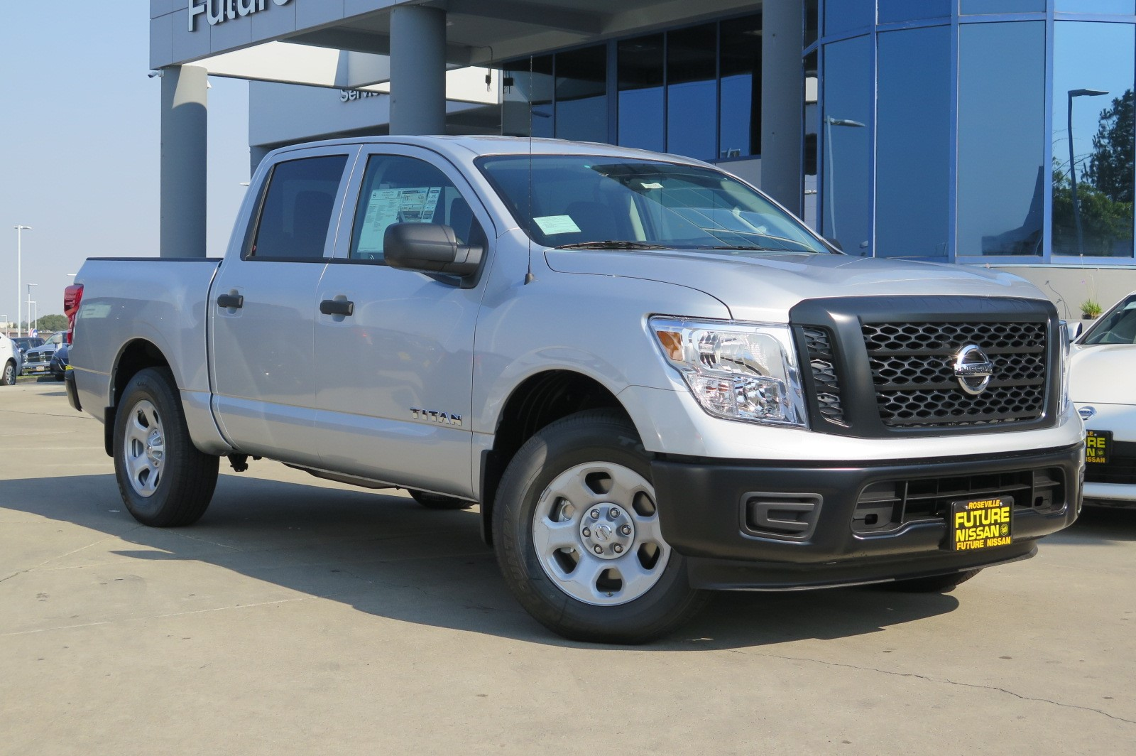 New 2018 nissan titan s crew cab pickup in roseville #n46185