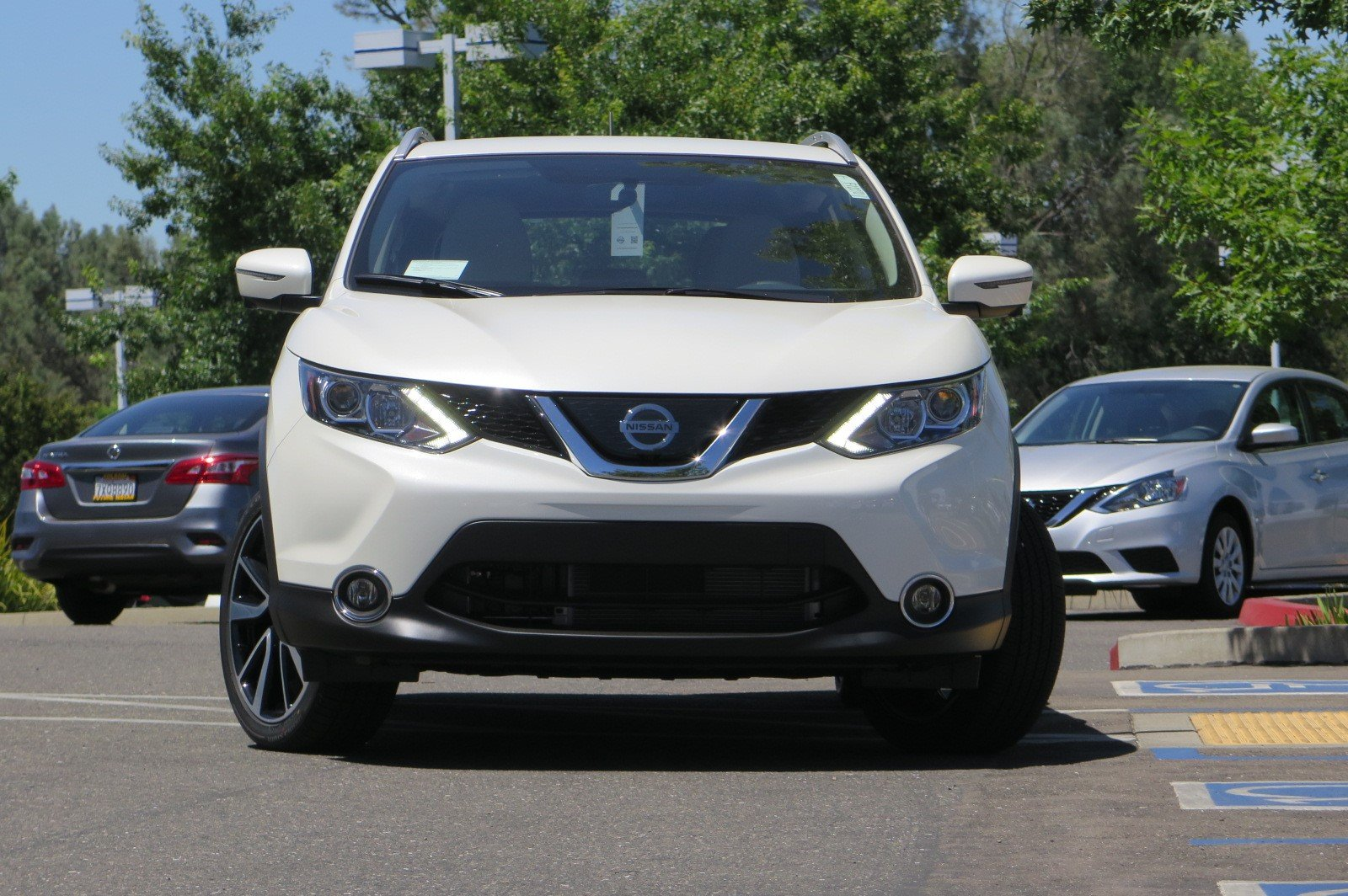 Nissan Rogue Owners Manual: Air conditioner operation