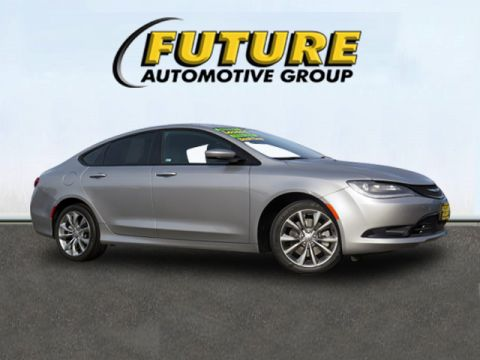 Pre-Owned 2015 Chrysler 200 Front Wheel Drive S