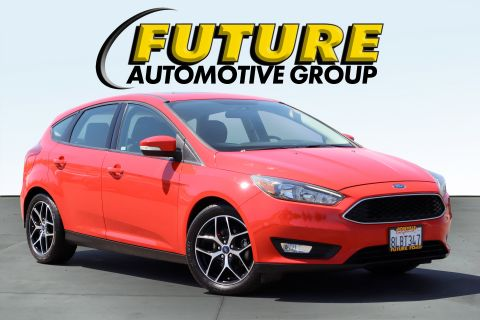Pre-Owned 2017 Ford FOCUS Hatchback