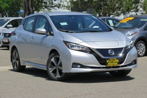New 2018 Nissan LEAF SV
