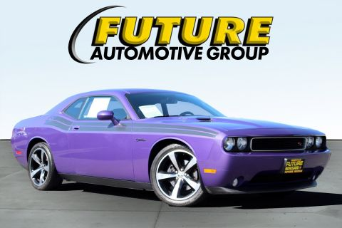 Pre-Owned 2013 Dodge Challenger R/T Classic