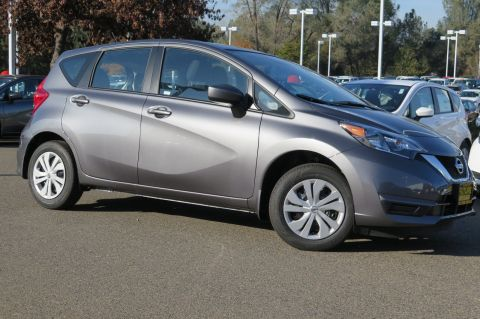 New 2018 Nissan Versa Note SV FWD Hatchback